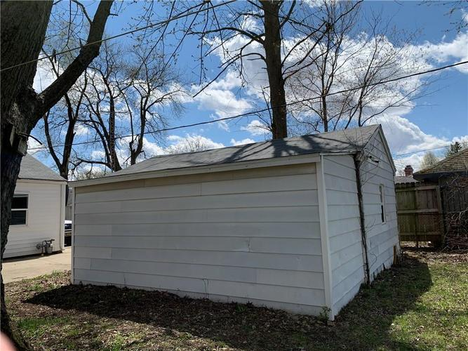 2611 S Tacoma Avenue S Muncie IN 47302 | MLS 21704401 | photo 2