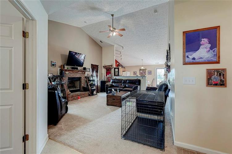 911 Sheets Court Greenfield IN 46140 | MLS 21704402 | photo 10