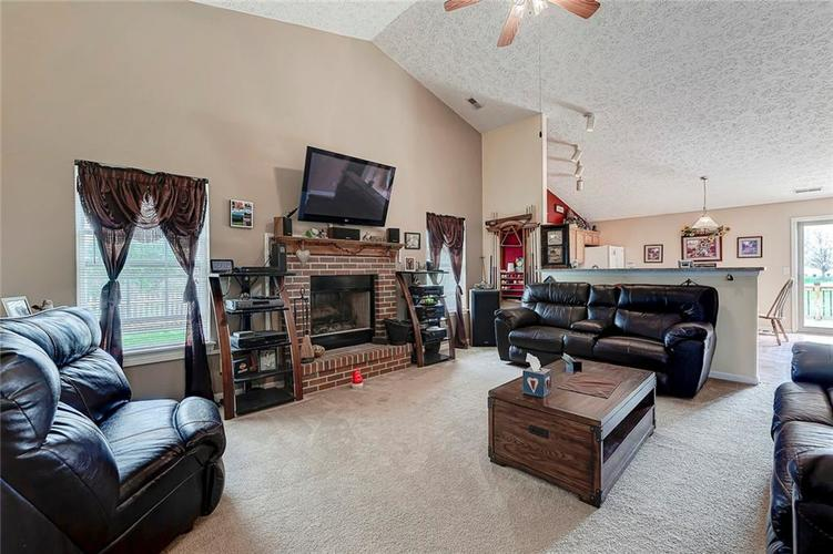 911 Sheets Court Greenfield IN 46140 | MLS 21704402 | photo 11