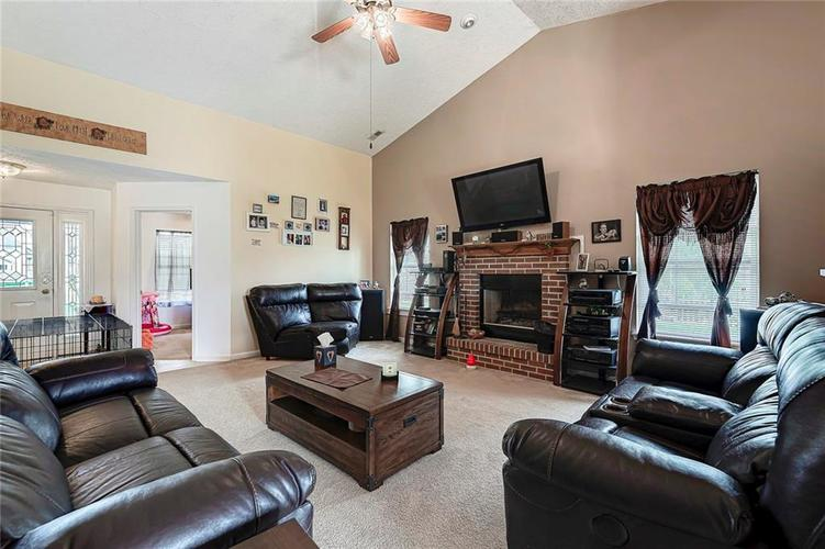 911 Sheets Court Greenfield IN 46140 | MLS 21704402 | photo 12