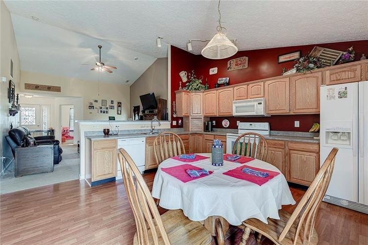 911 Sheets Court Greenfield IN 46140 | MLS 21704402 | photo 16