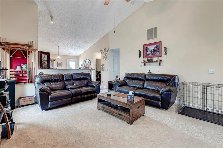911 Sheets Court Greenfield IN 46140 | MLS 21704402 | photo 18