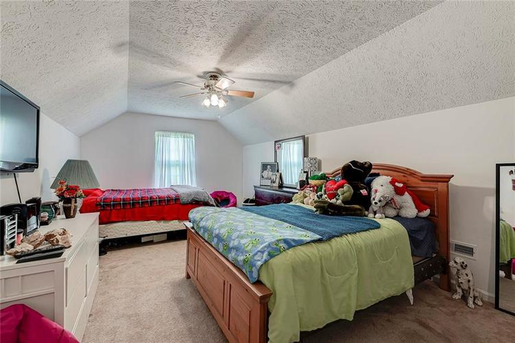 911 Sheets Court Greenfield IN 46140 | MLS 21704402 | photo 27