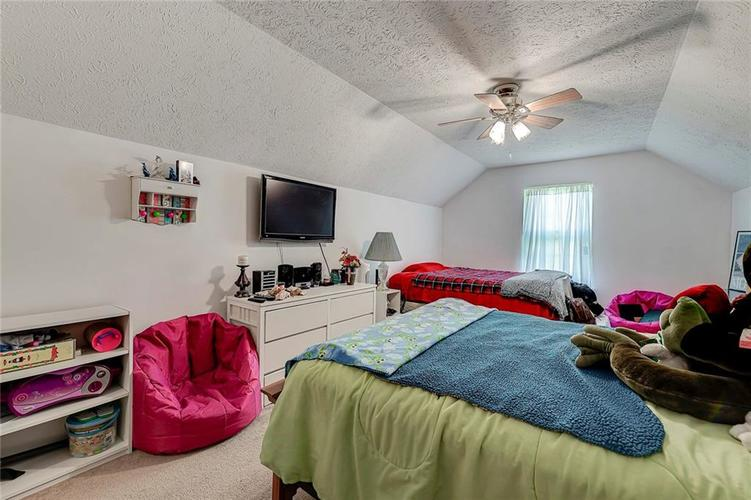 911 Sheets Court Greenfield IN 46140 | MLS 21704402 | photo 28