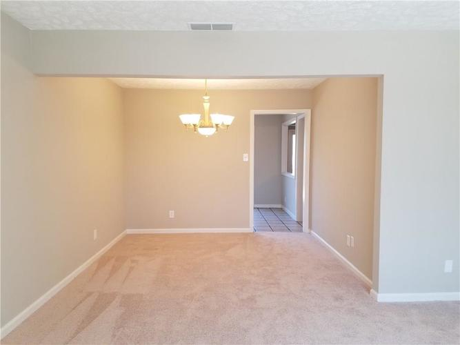 564 E Timberbrook Shelbyville IN 46176 | MLS 21704648 | photo 11
