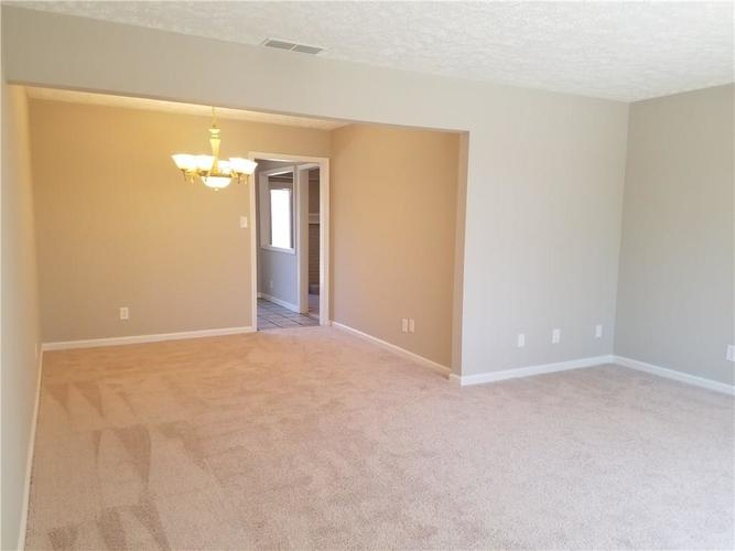 564 E Timberbrook Shelbyville IN 46176 | MLS 21704648 | photo 12