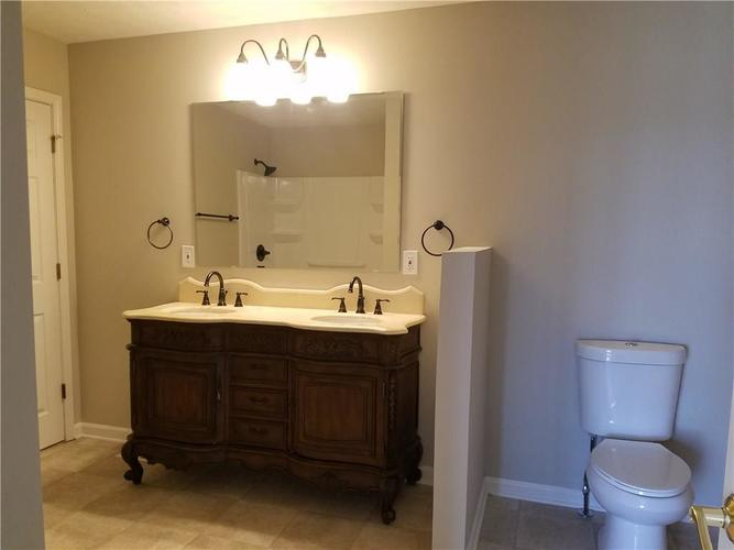 564 E Timberbrook Shelbyville IN 46176 | MLS 21704648 | photo 18