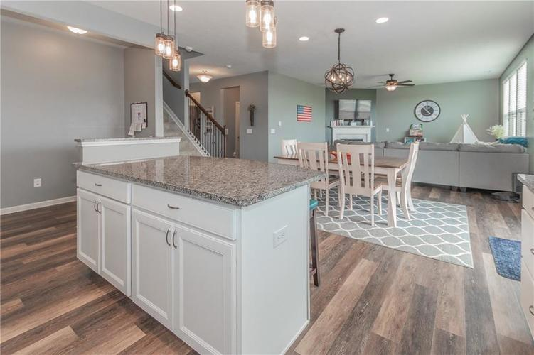 12644 Amber Star Drive Noblesville IN 46060 | MLS 21704837 | photo 12