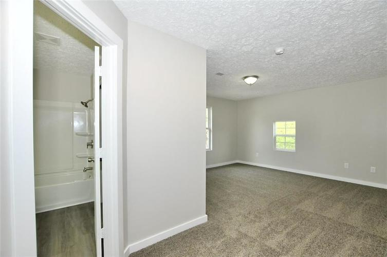 3011 Guilford Avenue Indianapolis IN 46205 | MLS 21705029 | photo 11