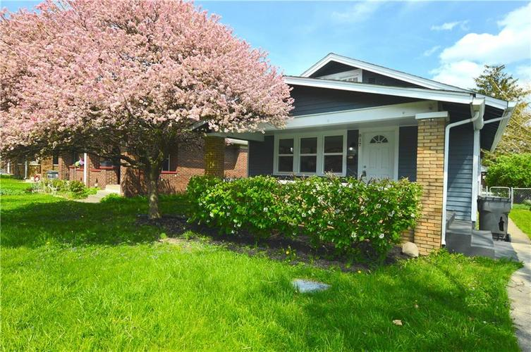 817 N EMERSON Avenue Indianapolis IN 46219 | MLS 21705067 | photo 1