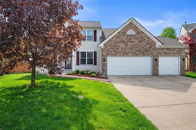 10225 Bootham Close Fishers IN 46038 | MLS 21705139 | photo 1