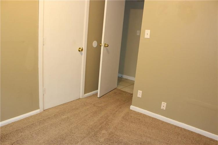 2569 Eagledale Drive Indianapolis IN 46222 | MLS 21705178 | photo 20