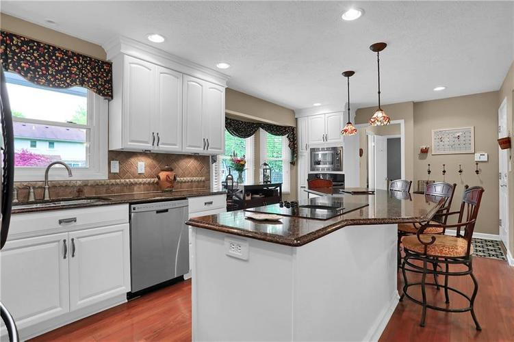 13771 Oak Ridge Road Carmel IN 46032 | MLS 21705288 | photo 18