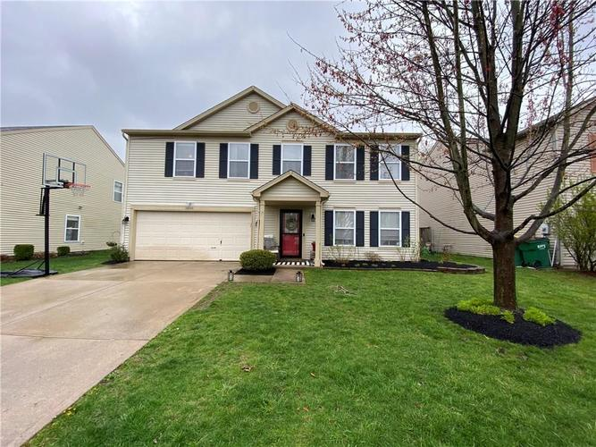 10045 Boysenberry Drive Fishers IN 46038 | MLS 21705501 | photo 1