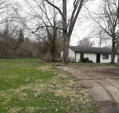 2222 W Coil Street Indianapolis, IN 46260 | MLS 21705632