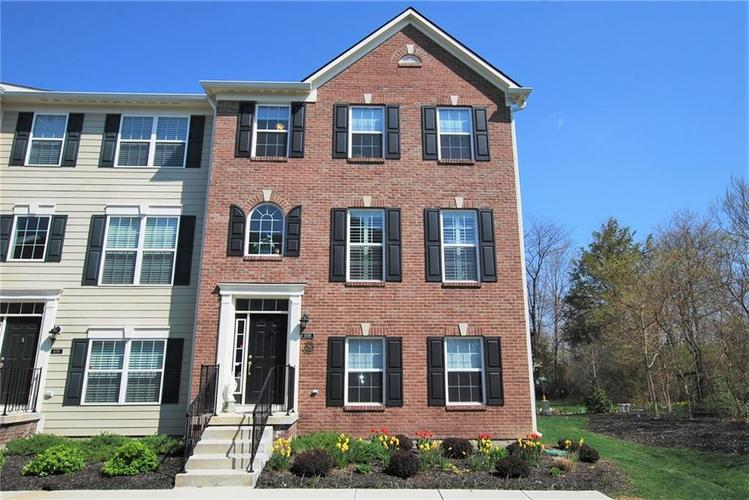 9095 Teaneck Drive Fishers IN 46038 | MLS 21705774 | photo 1