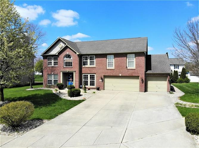 8336 Hunters Meadow Court Indianapolis IN 46259 | MLS 21705830 | photo 1