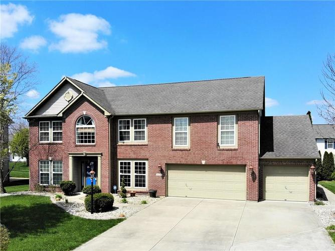 8336 Hunters Meadow Court Indianapolis IN 46259 | MLS 21705830 | photo 2