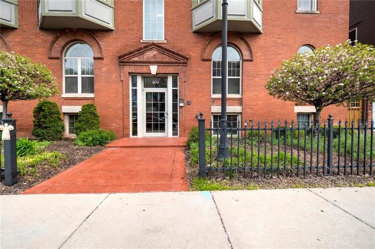 404 E New York Street Indianapolis IN 46202 | MLS 21705863 | photo 1