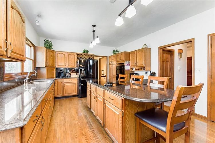 9115 Promontory Road Indianapolis IN 46236 | MLS 21705905 | photo 13