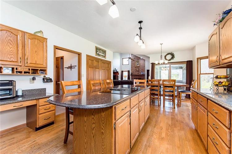 9115 Promontory Road Indianapolis IN 46236 | MLS 21705905 | photo 14