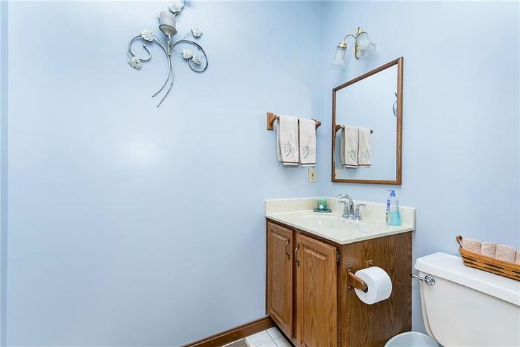 9115 Promontory Road Indianapolis IN 46236 | MLS 21705905 | photo 16