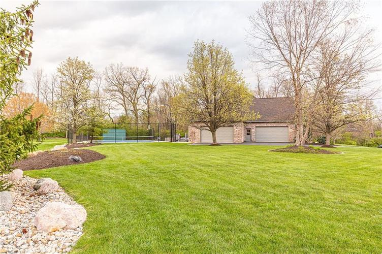 8934 SUMMER ESTATE Drive Indianapolis IN 46256   MLS 21706073   photo 10