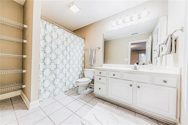 8934 SUMMER ESTATE Drive Indianapolis IN 46256   MLS 21706073   photo 31