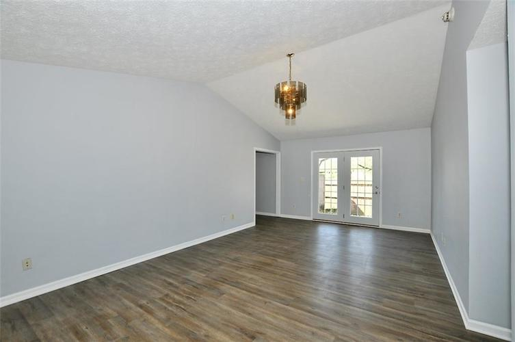 000 Confidential Ave.Indianapolis IN 46241 | MLS 21706141 | photo 10