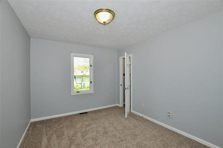 000 Confidential Ave.Indianapolis IN 46241 | MLS 21706141 | photo 11