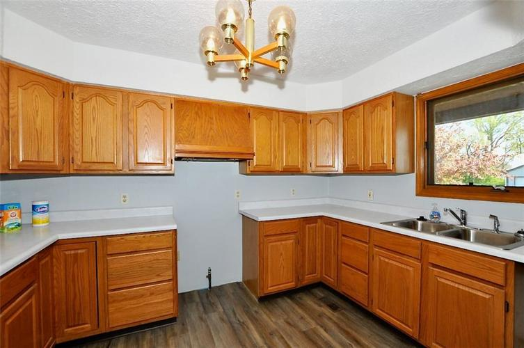 000 Confidential Ave.Indianapolis IN 46241 | MLS 21706141 | photo 24
