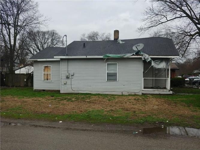 1202 N Centennial Street Indianapolis IN 46222 | MLS 21706200 | photo 2