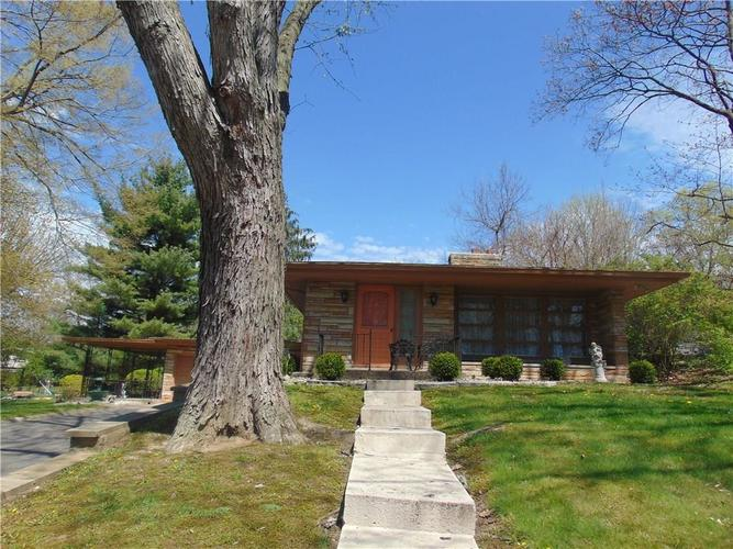 3202 Byrd Drive Indianapolis IN 46227 | MLS 21706379 | photo 2