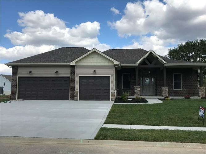 2961 Daylily Drive Columbus IN 47201 | MLS 21706485 | photo 1
