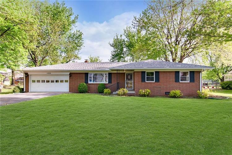 10936 Maze Road Indianapolis IN 46259 | MLS 21706557 | photo 1
