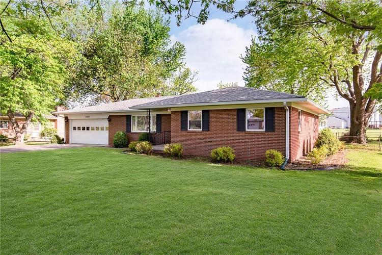 10936 Maze Road Indianapolis IN 46259 | MLS 21706557 | photo 2