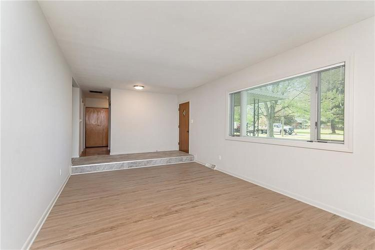 10936 Maze Road Indianapolis IN 46259 | MLS 21706557 | photo 6