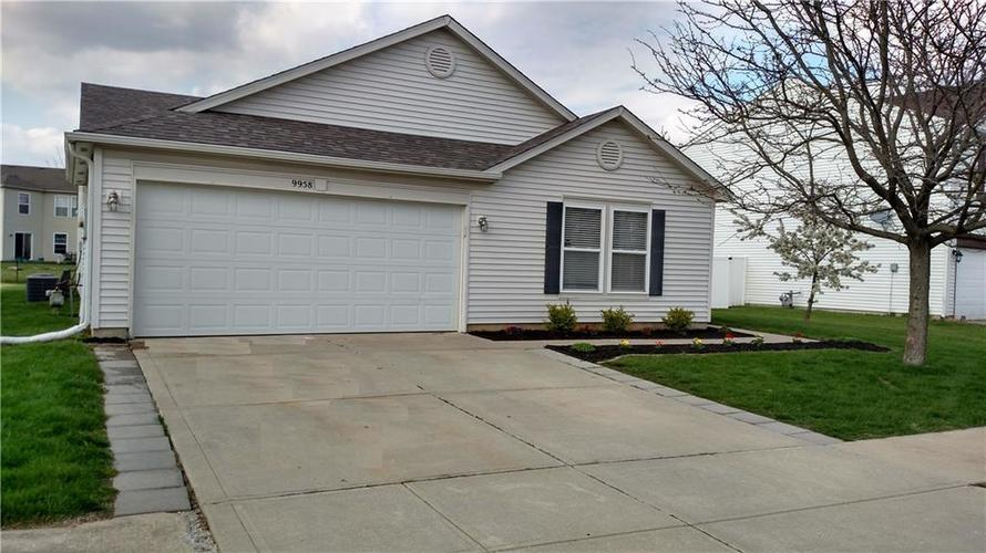 9958 OLYMPIC Circle Indianapolis IN 46234 | MLS 21706708 | photo 1