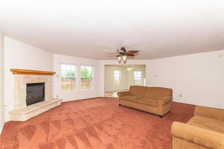 13325 Loyalty Dr Fishers IN 46037 | MLS 21706732 | photo 7