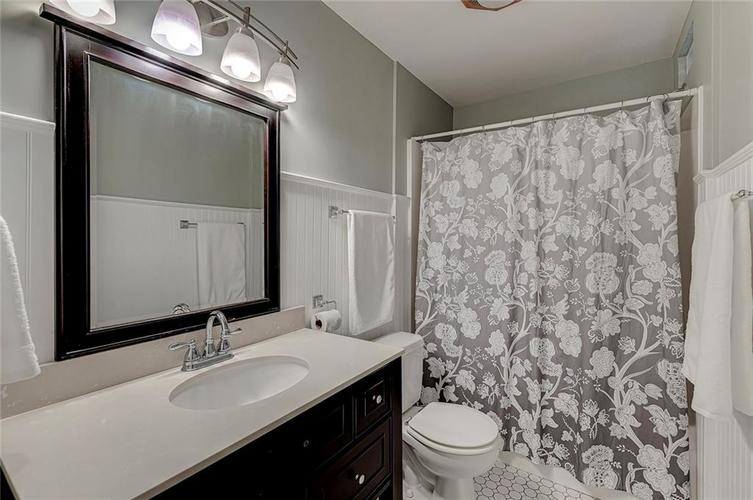 1305 Meadowbrook Drive Indianapolis IN 46240 | MLS 21706818 | photo 11