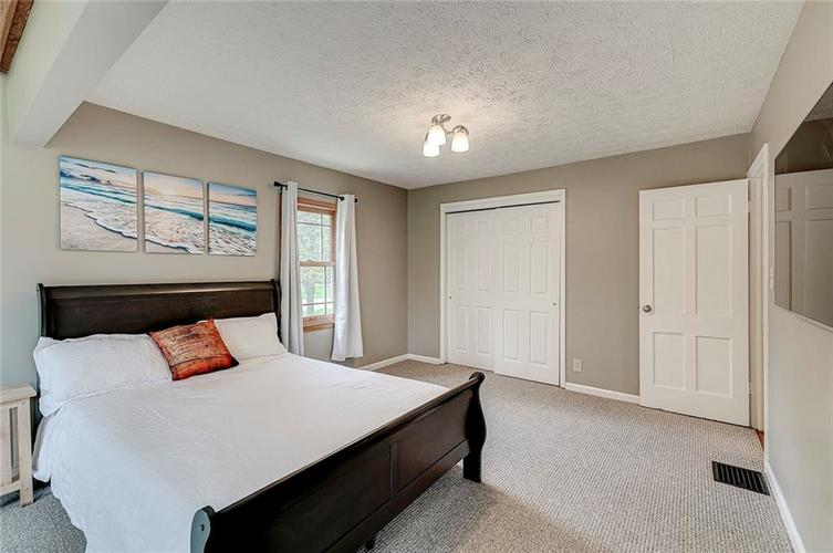 1305 Meadowbrook Drive Indianapolis IN 46240 | MLS 21706818 | photo 13