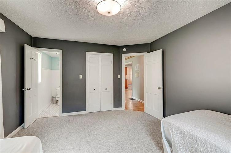 1305 Meadowbrook Drive Indianapolis IN 46240 | MLS 21706818 | photo 16