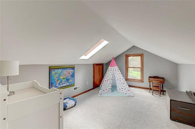1305 Meadowbrook Drive Indianapolis IN 46240 | MLS 21706818 | photo 27