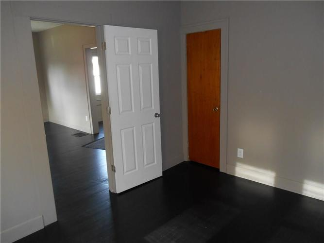 532 Carlyle Place Indianapolis IN 46201 | MLS 21707017 | photo 15