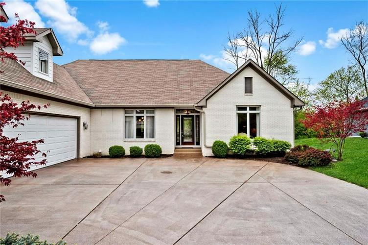 6707 Knollcreek Drive Indianapolis IN 46256 | MLS 21707076 | photo 2