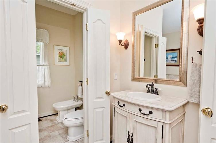 6707 Knollcreek Drive Indianapolis IN 46256 | MLS 21707076 | photo 20