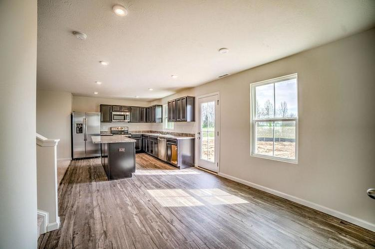 7063 Mardenis Drive S Camby IN 46113 | MLS 21707096 | photo 10