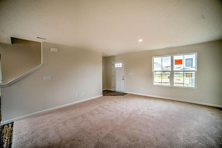 7063 Mardenis Drive S Camby IN 46113 | MLS 21707096 | photo 5