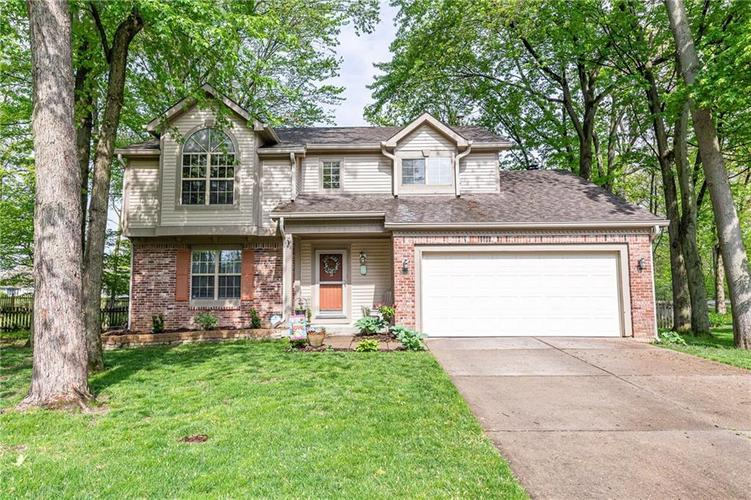9035 Shady Tree Lane Indianapolis IN 46256 | MLS 21707109 | photo 1