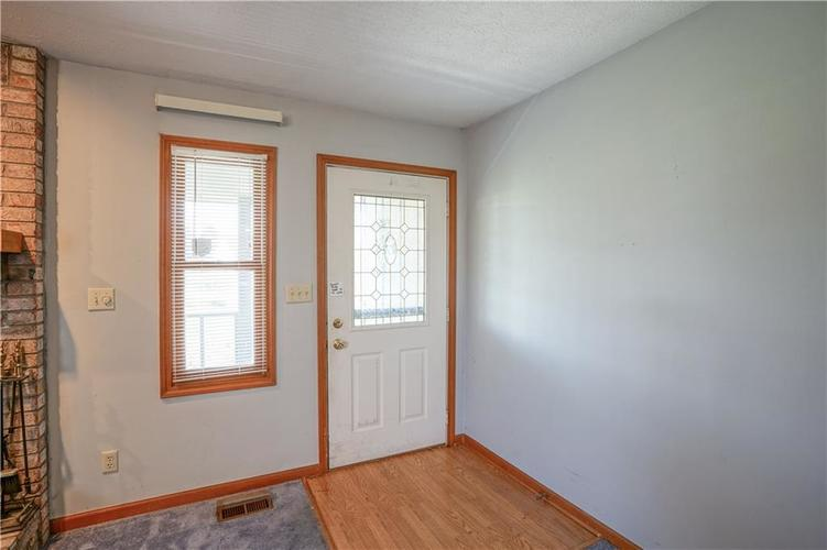 1317 Buckley Court Indianapolis IN 46229 | MLS 21707171 | photo 2